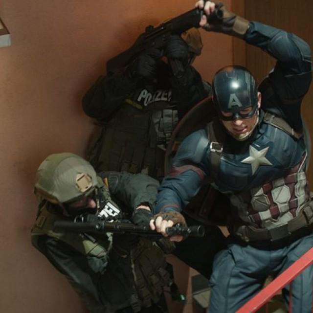 Steve Rogers și Tony Stark sunt inamici în noul film Marvel