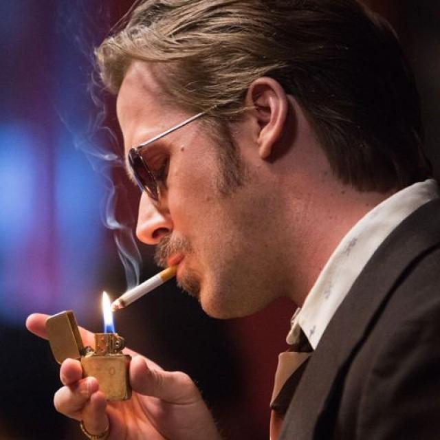 """Ryan Gosling este detectivul stângaci din """"Super băieţi"""""""