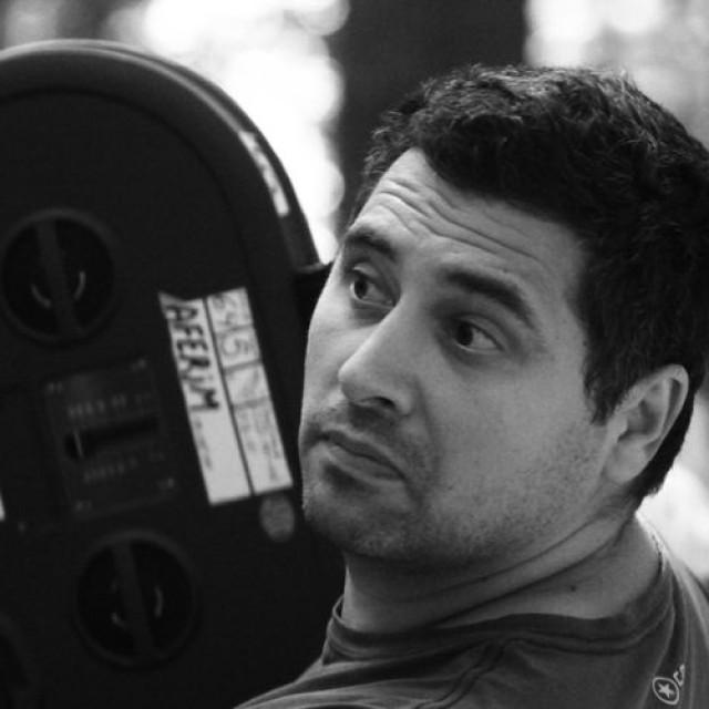 Radu Jude pregătește un documentar dedicat colecției Costică Acsinte
