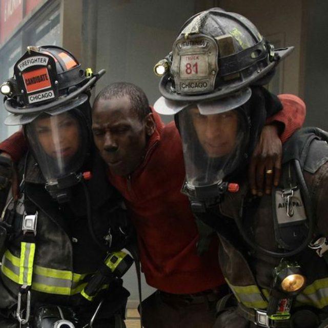 """Sezonul 3 al serialului """"Pompierii din Chicago"""" se apropie de final"""