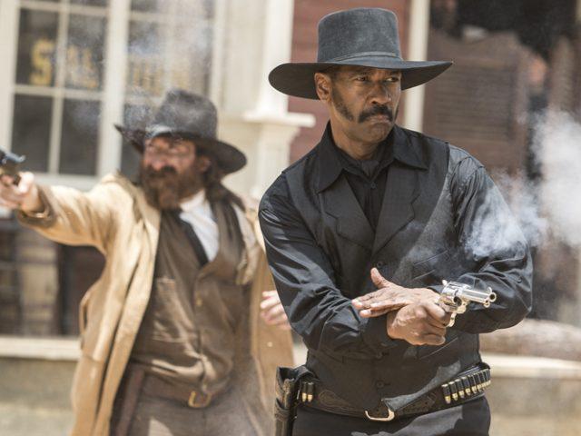 """""""Cei șapte magnifici"""", un western visceral, cu Denzel Washington în rol principal"""