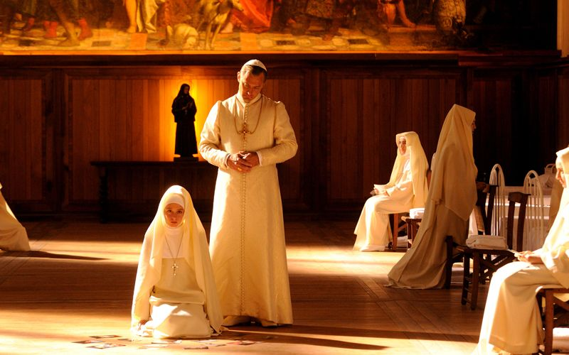Jude Law Tânărul papă
