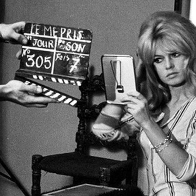 """Duminica asta o vedem pe Brigitte Bardot în filmul """"Le Mépris"""", pe TV5Monde"""
