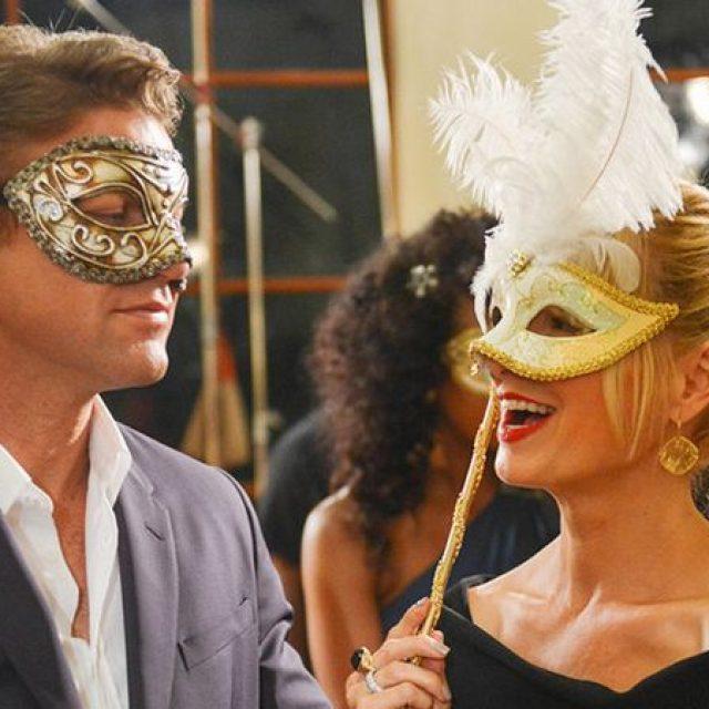"""Serialul """"Satisfaction"""" continuă cu un nou sezon în aprilie, pe AMC"""
