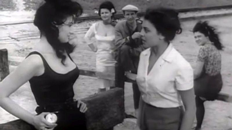 Leni Pinţea Homeag (Paraschiva) şi Anca Irina Ionescu (Nastasia)